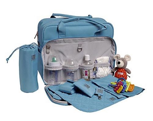 4 objets pratiques qui libèrent de l'espace dans le sac de votre bébé