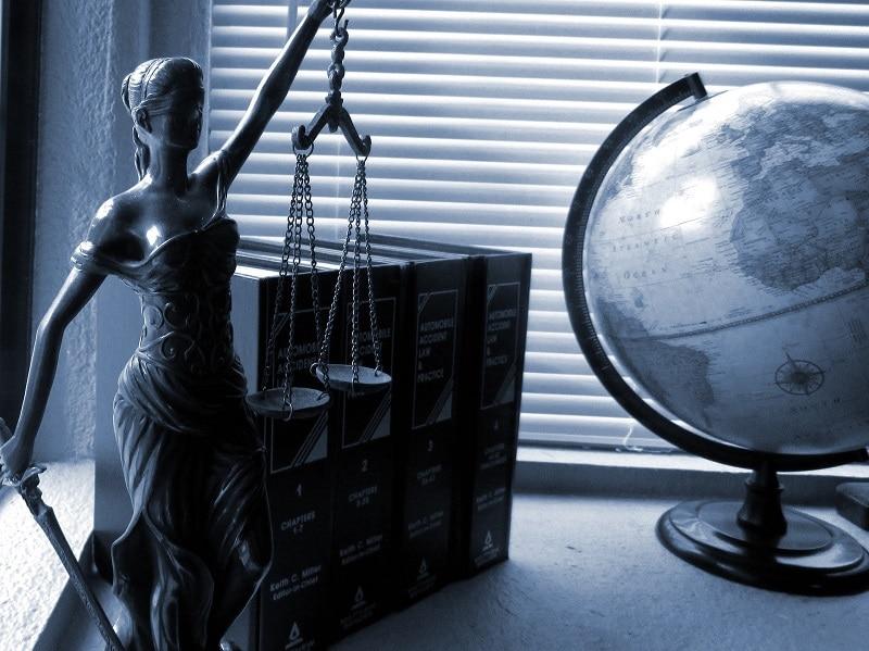 Comment trouver le meilleur huissier de justice en ligne ?