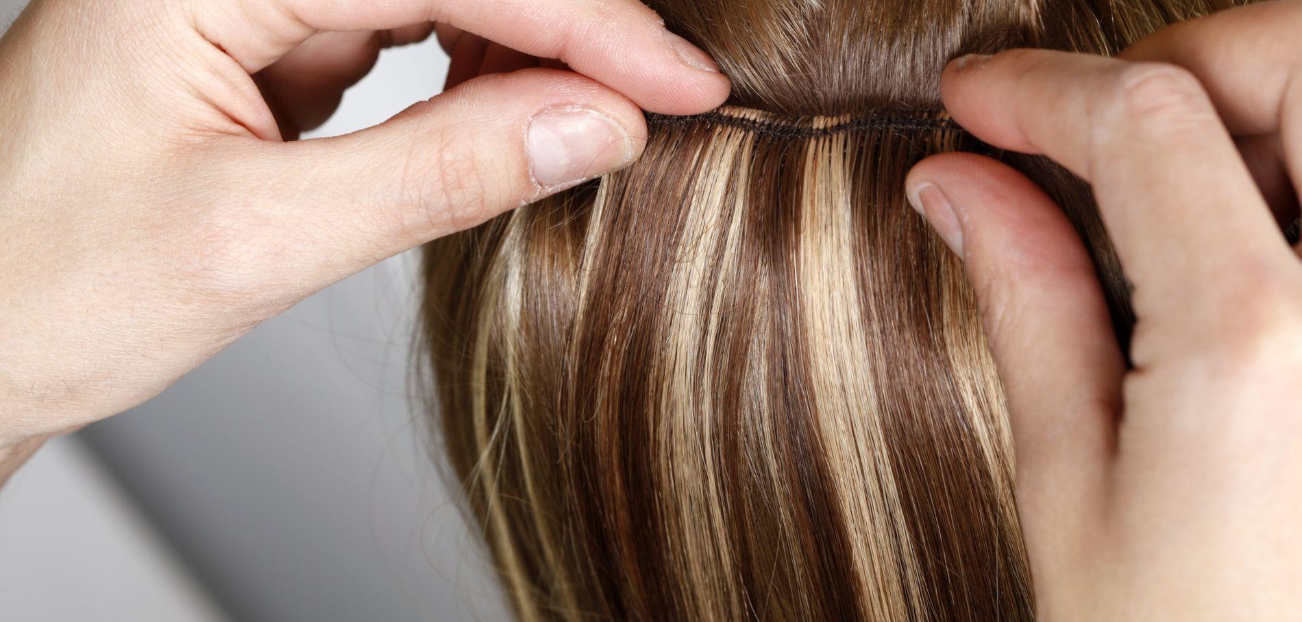 Les extensions pour cheveux à clips