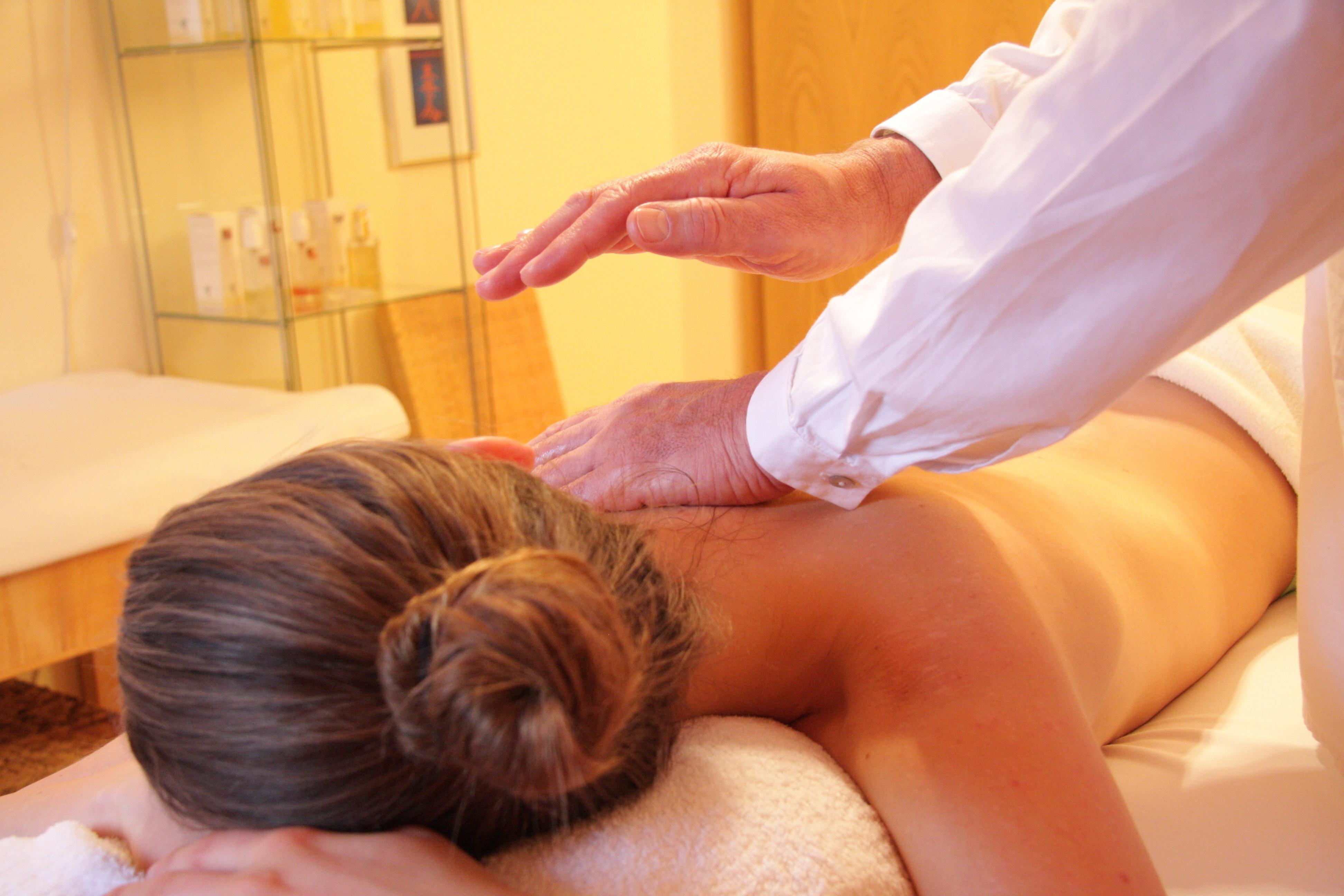 La légalité du massage naturiste